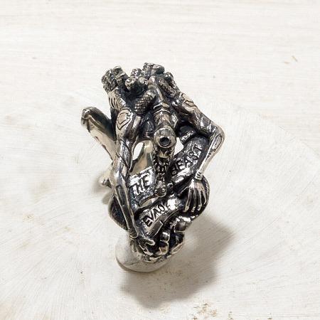 エヴァ2号機 ビーストモードの指輪