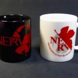 EVANGELION STORE オフィシャル版 新NERV マグカップ 黒と白