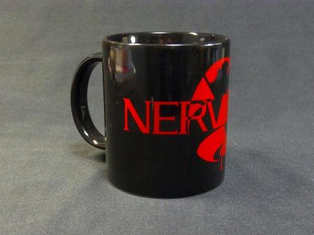 新ネルフロゴがデザインされた、オフィシャルマグカップ黒
