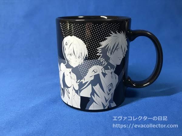 エヴァストア東京の9周年記念イラストを使ったマグカップ